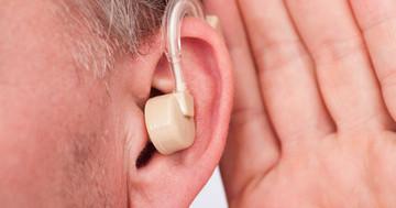 補聴器で認知症予防?25年間の変化を調べると… の写真