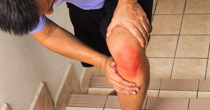 変形性膝関節症の膝への負担を減らすアイテムは? の写真