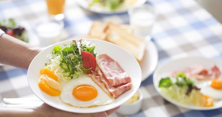 体はなぜ朝食後にエネルギーを燃焼するのか?の写真