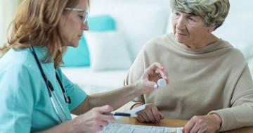 高齢者に対する抗凝固薬で、出血リスクはどの薬が高いか?の写真