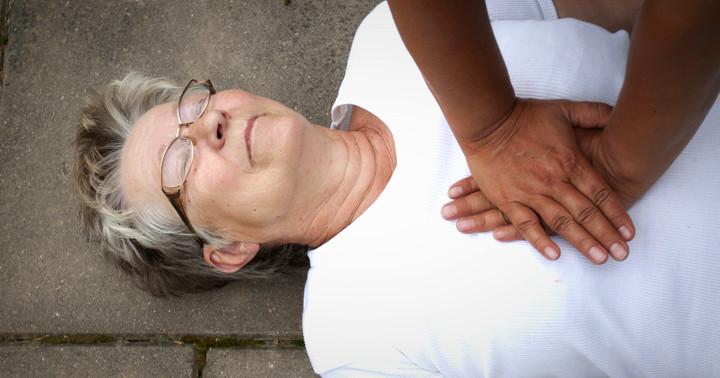 スマホアプリは心停止者を救えるかの写真