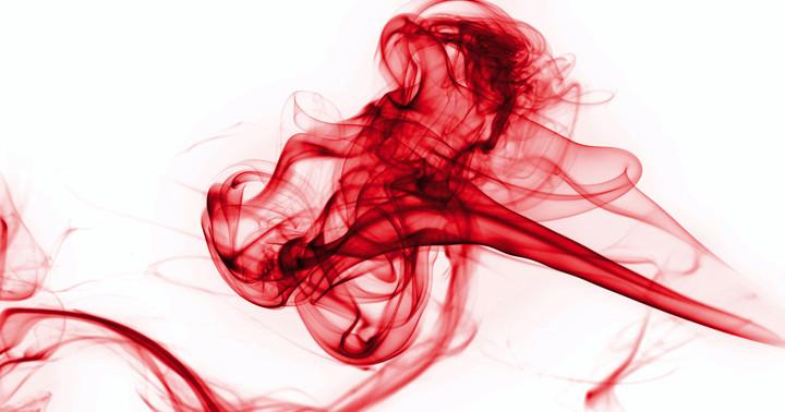たばこを吸う人は手術中の出血量と輸血量が多い?の写真