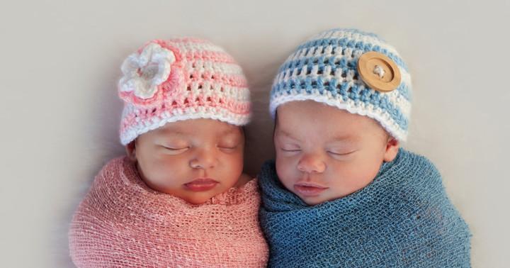 双子の食べる量は、生まれたときの体重で変わるの写真