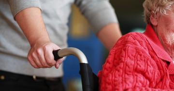 脊髄損傷後に車椅子を使用する人の肩の痛みを運動療法で改善できるかの写真