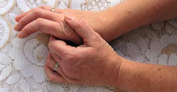 手の屈筋腱損傷に早期からリハビリを行うことは有効か?の写真