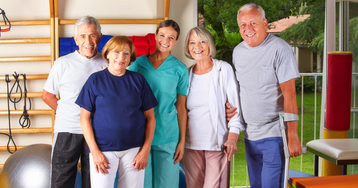 高齢者の集団リハビリテーションで歩く持久力が改善 の写真
