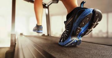 足の動きを制御する靴「モーションコントロールシューズ」でランニングのけが予防!の写真