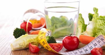 低カロリー飲料を飲む人は食事バランスがよいの写真
