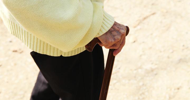 高齢者の骨折、認知症があると特に危険?の写真