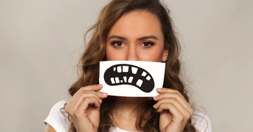 ドライマウスは虫歯多発の原因に!女性に多いシェーグレン症候群による虫歯を防ぐには?の写真