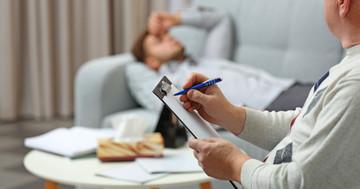 パニック障害の治療法を解説 認知行動療法で不安や恐怖感は改善するの?の写真