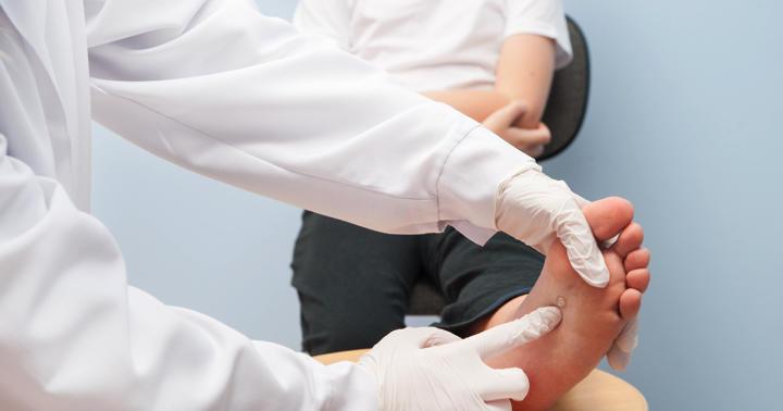 イボ(尋常性疣贅)の原因はウイルス感染?正しい治療に必要な正しい診断の基準の解説の写真