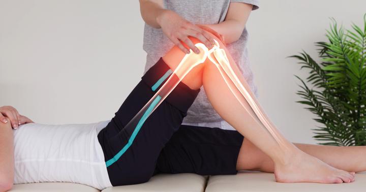 変形性膝関節症の手術(人工膝関節全置換術、TKA)の後、どんなリハビリをすれば良いの?の写真