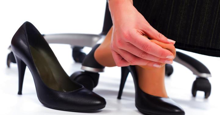 外反母趾の原因と治療法について解説の写真