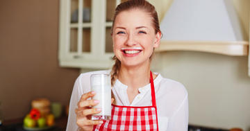 牛乳と果物は糖分を含んでいるが肥満の予防になる?の写真