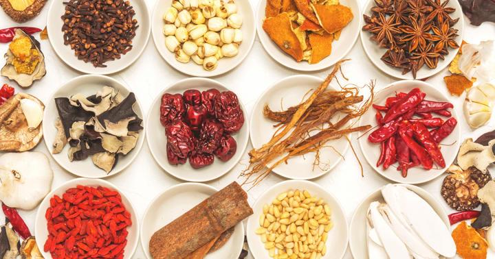 症状・体質によっても変わる、「頭痛」治療に使う漢方薬(釣藤散、呉茱萸湯 など)の写真