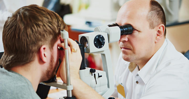 近視・乱視を起こす「円錐角膜」になりやすい人、なりにくい人の写真
