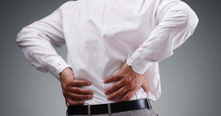 背中を移動する激痛、「大動脈解離」の危険性は血圧に現れていた?の写真