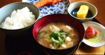 おかずを変えると、米を食べても血糖値が上がりにくくなったの写真