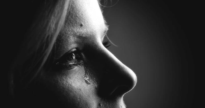 目を閉じられない、味がわからない…「顔面神経麻痺」の研究、やり直したら違う結果にの写真