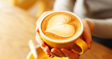 1日900mlのコーヒーを飲む人は低リスク?繰り返す神経障害、「多発性硬化症」との関連の写真