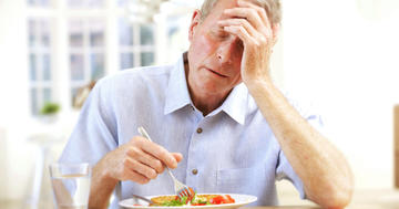 食後や空腹時のこんな症状は要注意! ?「低血糖」のセルフチェックの写真