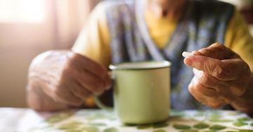 パーキンソン病患者が抗精神病薬を使用することと死亡の危険性にはどんな関係があるのか?の写真