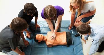小学生でも心肺蘇生法を習得できるの写真