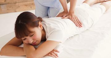 ひどい生理痛に針治療とツボ押しは効く?2015年までの医学研究からの写真