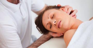 首の痛みにクラニオセイクラル・セラピーは有効か?の写真