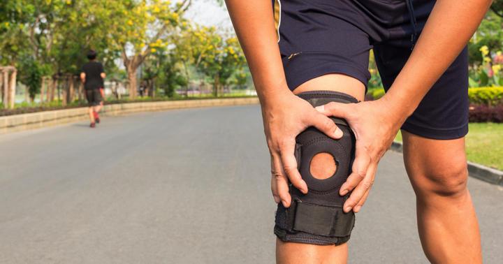 膝の前十字靭帯損傷には手術とリハビリのどちらがいい?の写真