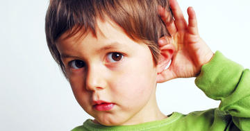 子供の耳が詰まって聞こえにくい、滲出性中耳炎に抗生剤は本当に要る?最新の研究状況はの写真