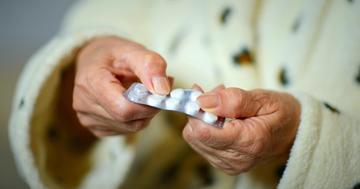 高齢者の股関節骨折が薬で2倍に?90万人の統計からの写真