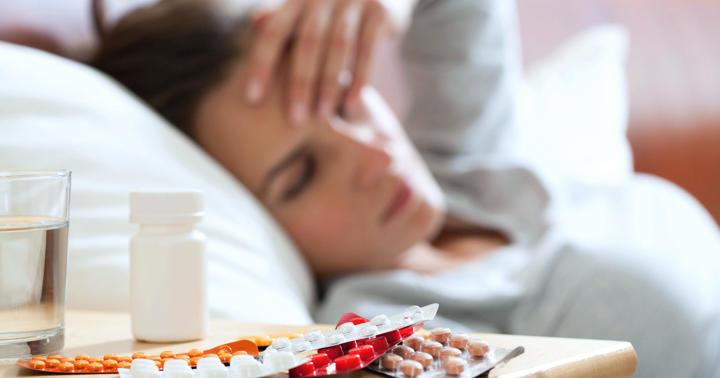 肺炎の抗生物質、熱が下がって元気ならやめていい?の写真