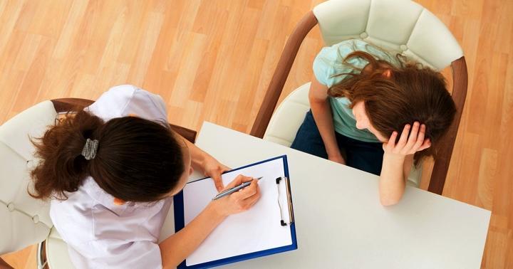 抗うつ薬は嫌です…未成年うつ病患者にもうひとつの治療法「認知行動療法」で改善ありの写真