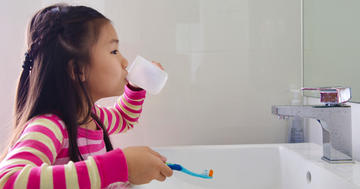 子どもの虫歯予防にフッ素は効く?最新の研究データからの写真
