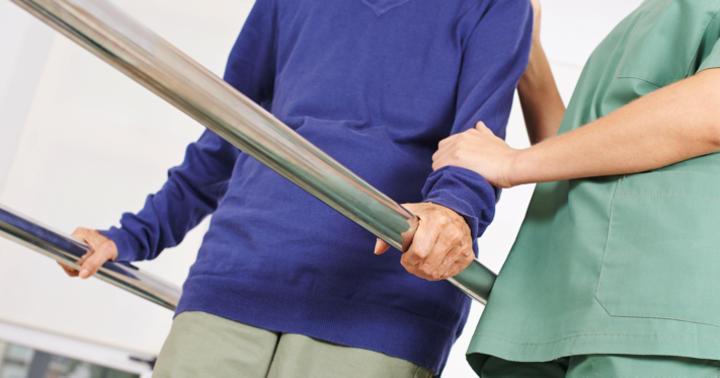 肺炎で入院したら体を鍛えよう!筋トレで生活の質も改善の写真
