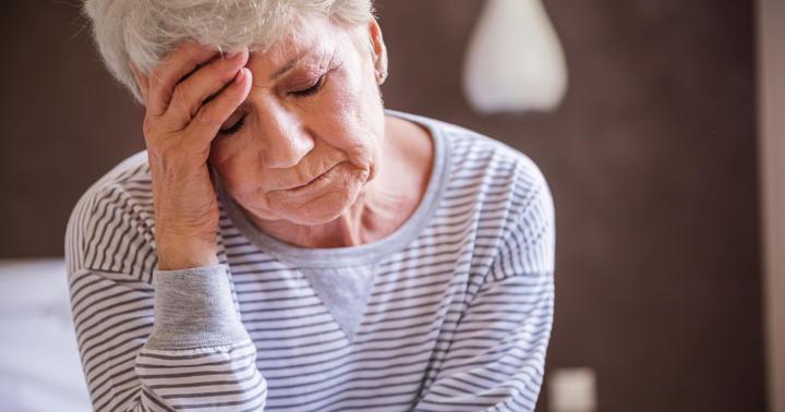 検査で頭痛に…「水分を取って安静」は間違い!ルンバールの頭痛を防ぐ方法の写真
