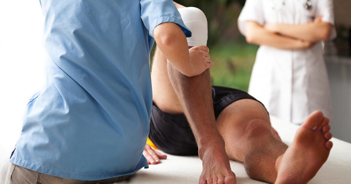 膝が伸ばせない「半月板損傷」、手術しないで2年間運動療法を続けた結果の写真