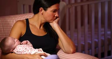 産後うつに心理療法は効く?15年分の研究報告を徹底調査の写真