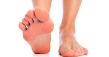 足の裏の痛みが続く足底筋膜炎に衝撃波は効かない?効いていた治療法は2種類の写真