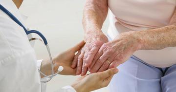 アメリカでは承認された「震え」の治療、改善の反面に副作用もの写真 (C) JPC-PROD - Fotolia.com