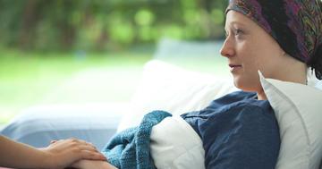 がんの苦痛を和らげる緩和ケアで血液がん治療後のうつ症状をセーブの写真