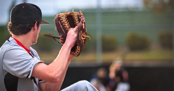 肘を手術してもメジャーリーグに行ける!尺側側副靭帯再建後の投手の統計の写真