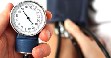 血圧の目標を150mmHgより下にすると何がいいのかの写真 (C) koszivu - Fotolia.com