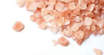 食事の塩分を1/3まで減らすと血圧はどれぐらい下がるのか?の写真 (C) sayoko - photo-ac.com