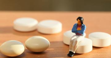 骨粗鬆症に女性ホルモンは使わないほうがいい?米国内科学会の推奨の写真