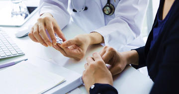 咳で抗生物質はすぐ使わなくても大丈夫?の写真