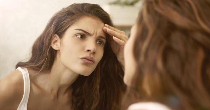 ステロイド外用薬の間違った使い方で顔に何が起こっていたのかの写真